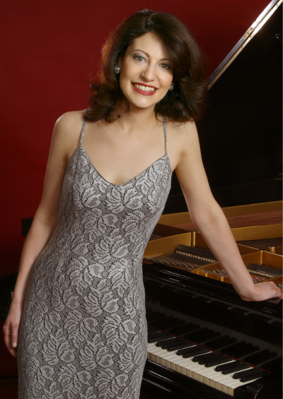 Lisa Caliri, Pianist